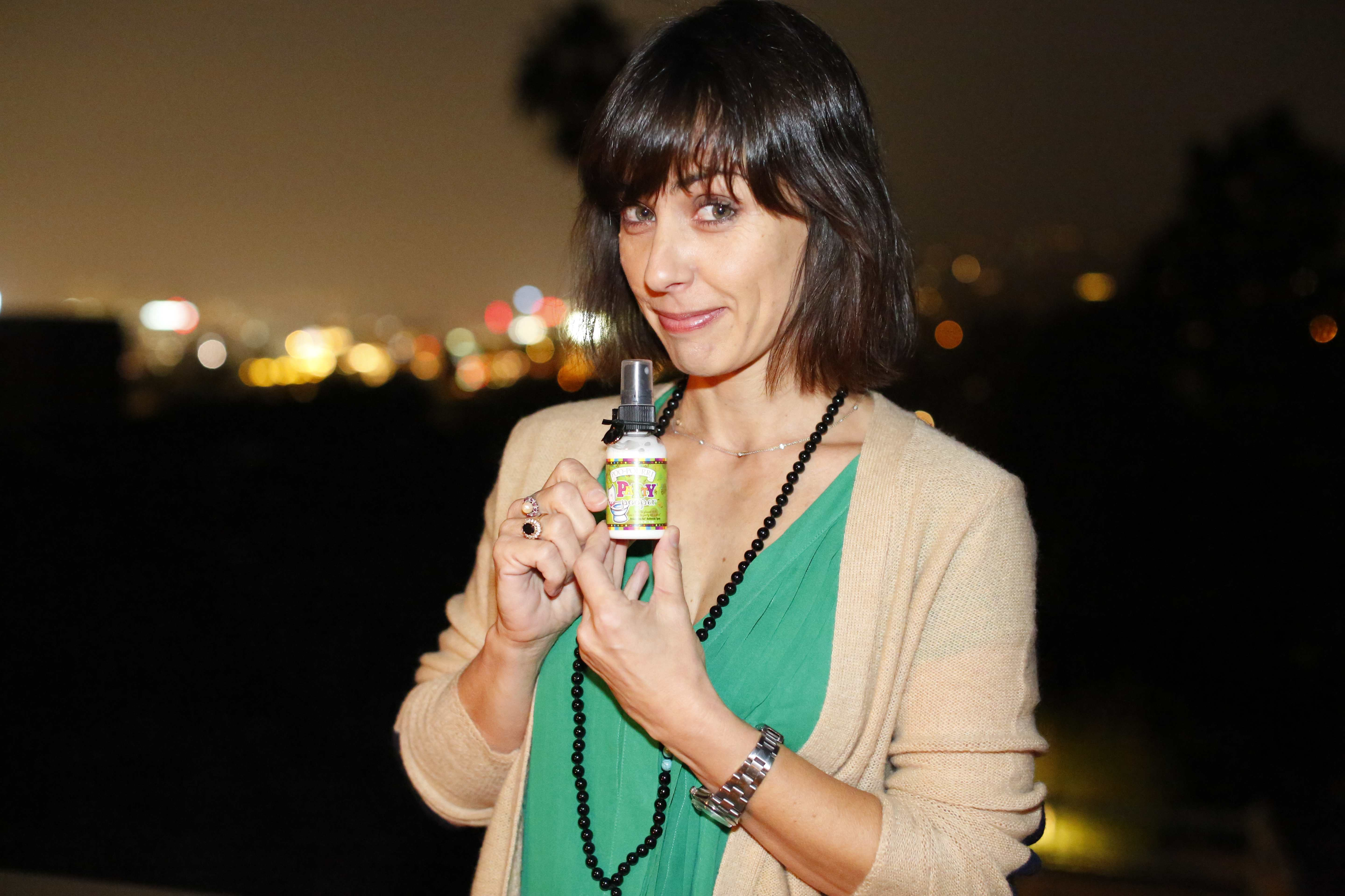 constance zimmer from entourage is a fan of poo pourri chicexecs
